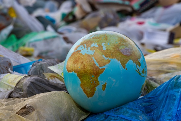 Market Leaders - Reducing plastic for over 4 years