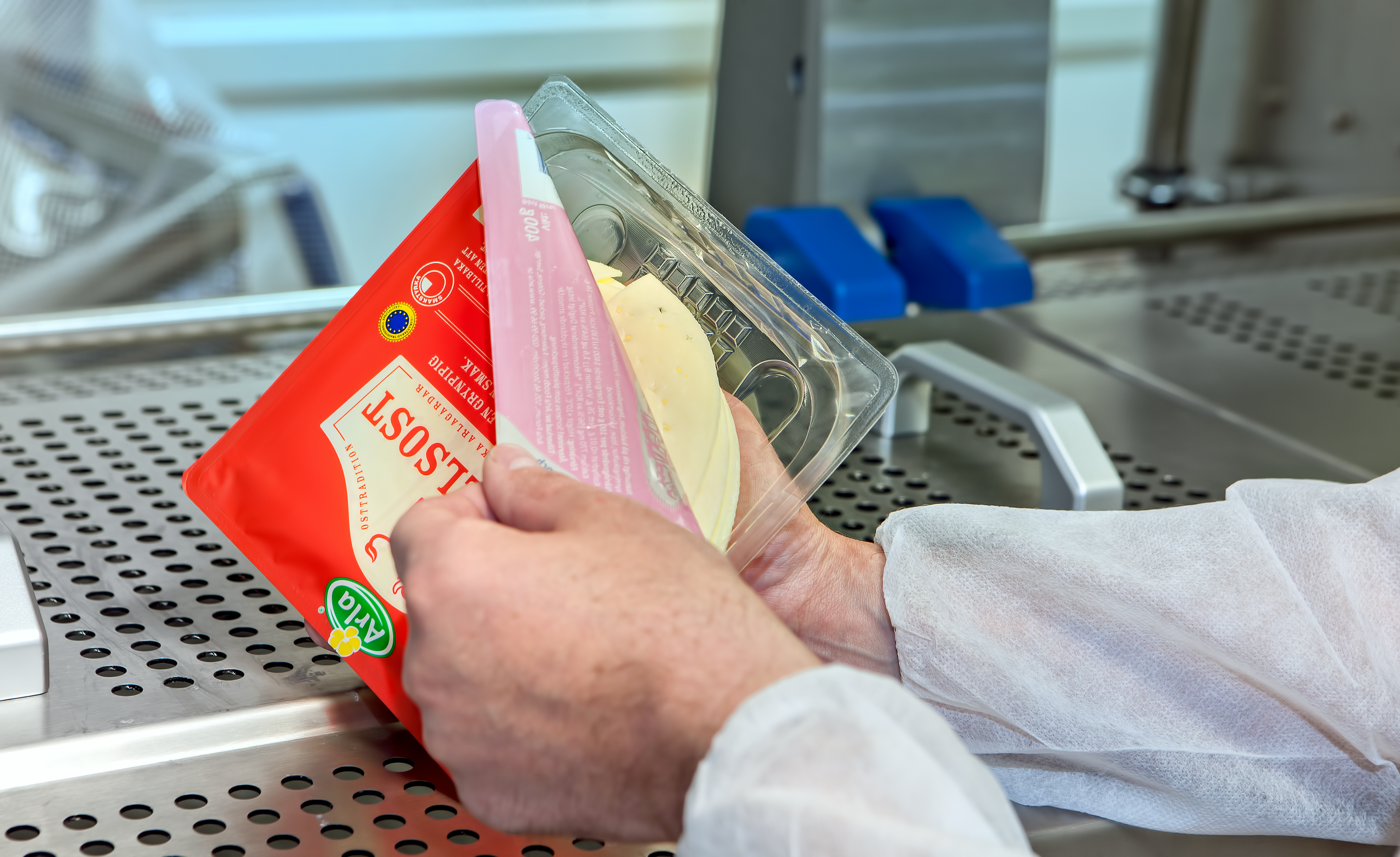 New Arla Foods packaging for sliced cheese